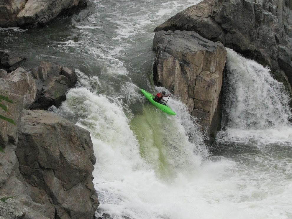 皮划艇运动员的死亡游戏_图1-23