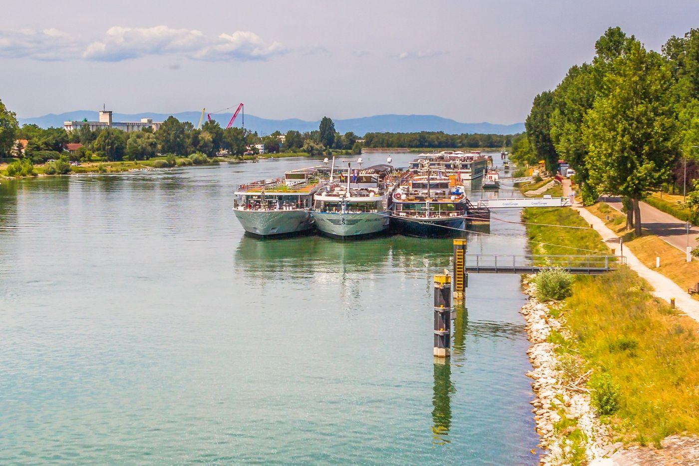 畅游莱茵河,游船商船另一道景_图1-39