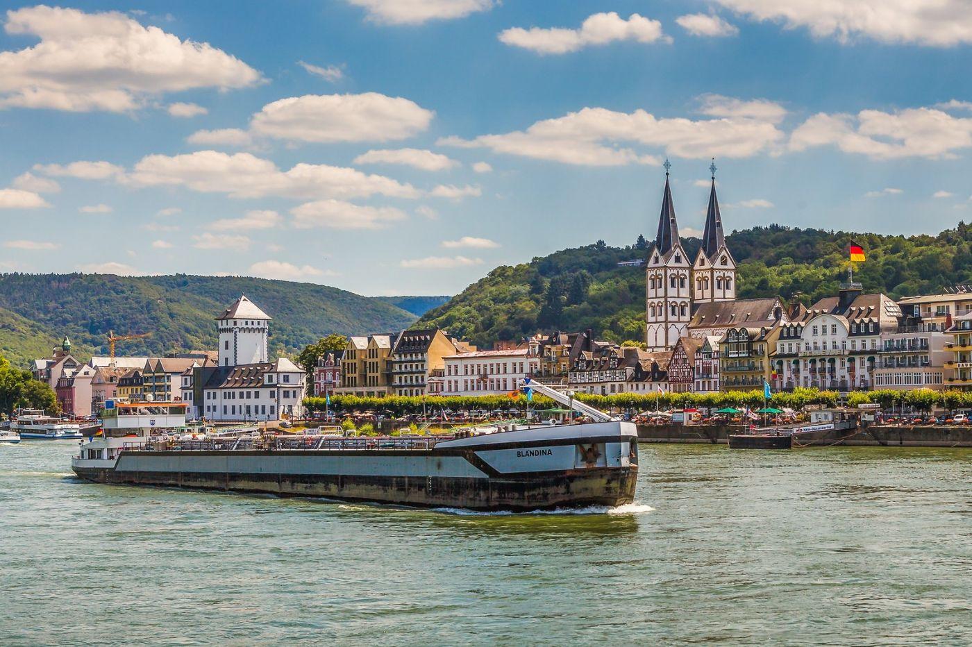 畅游莱茵河,游船商船另一道景_图1-23
