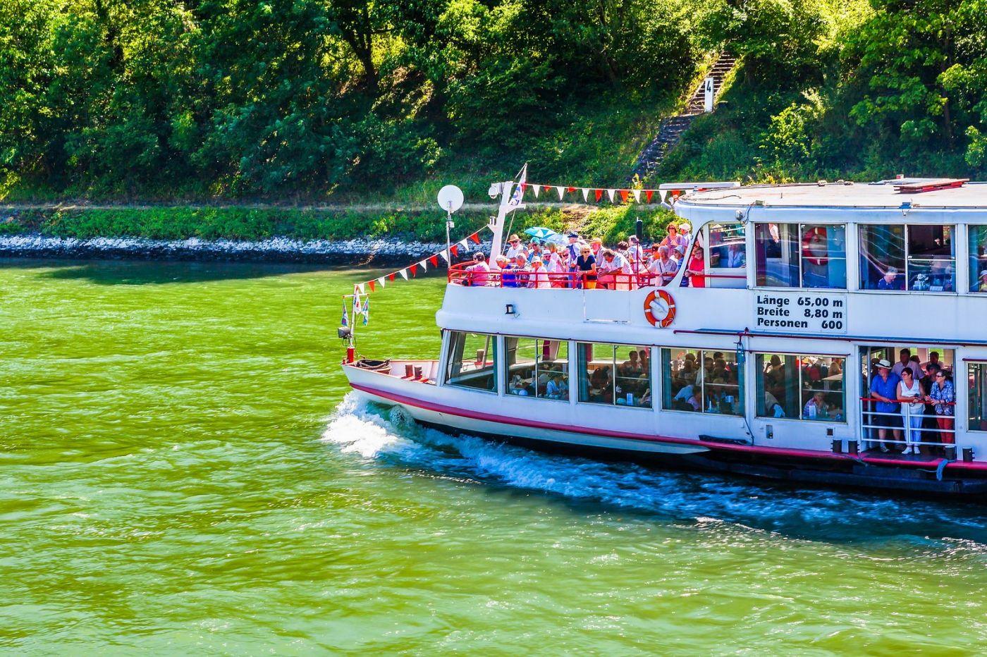畅游莱茵河,游船商船另一道景_图1-17