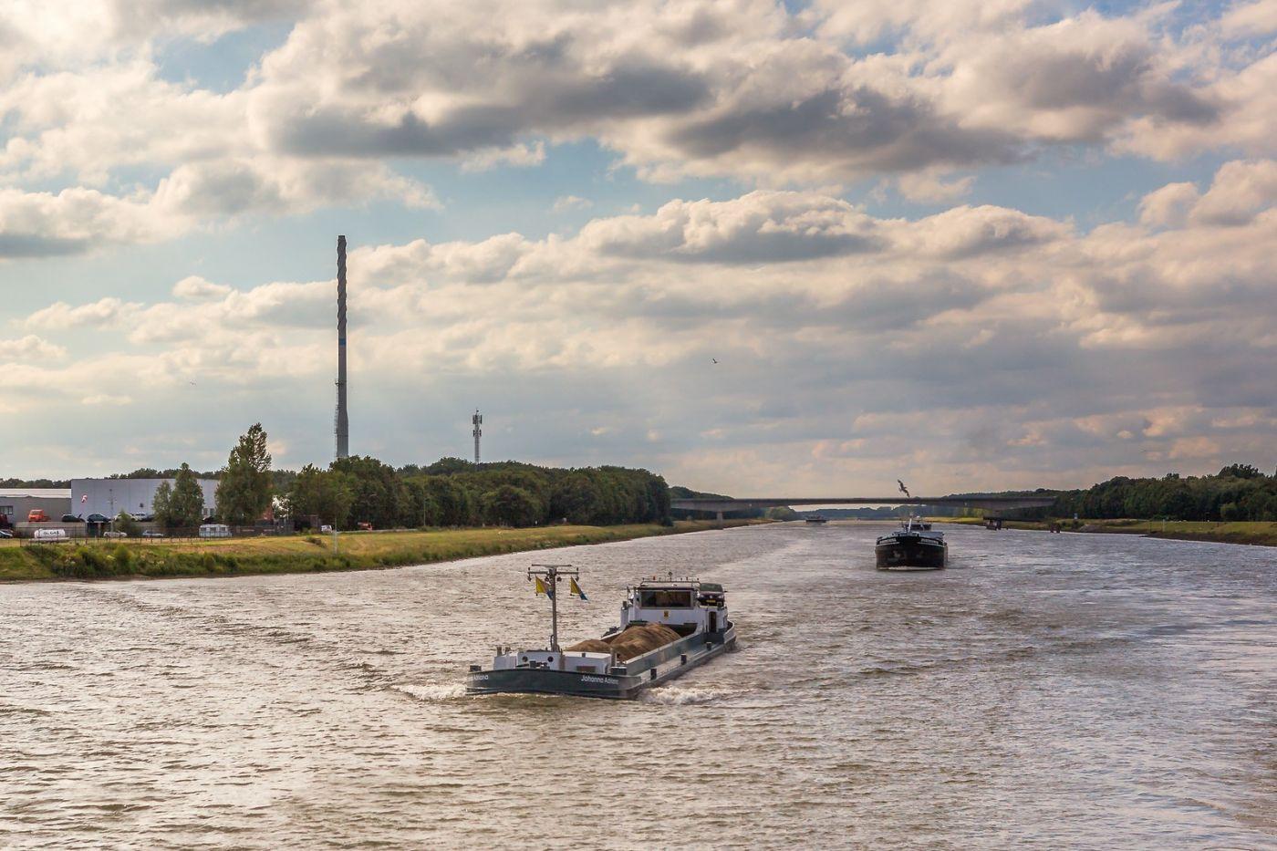 畅游莱茵河,游船商船另一道景_图1-15