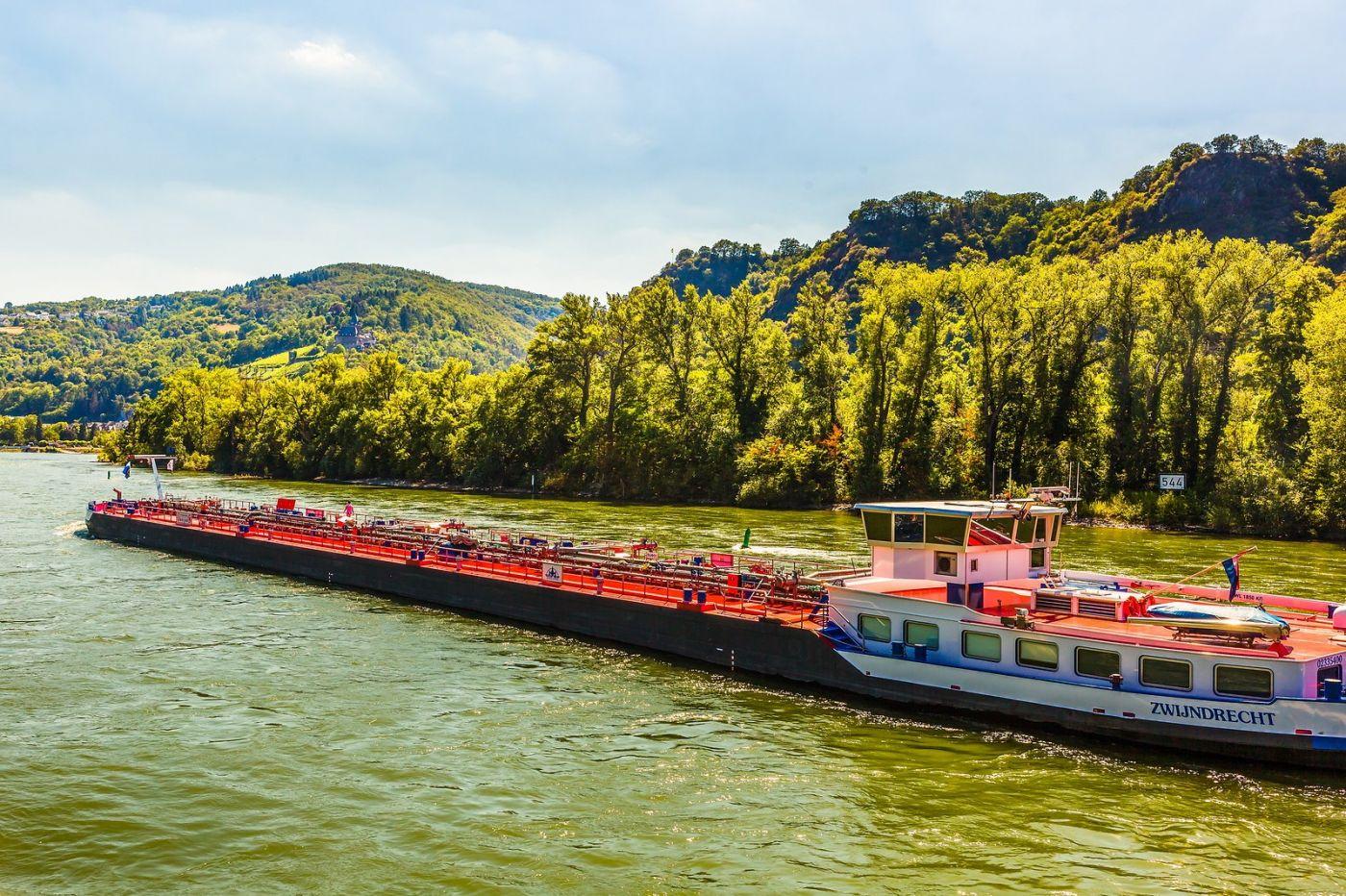 畅游莱茵河,游船商船另一道景_图1-6