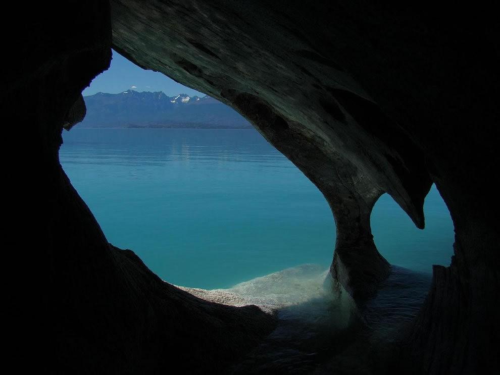 宏伟的大理石洞穴_图1-9