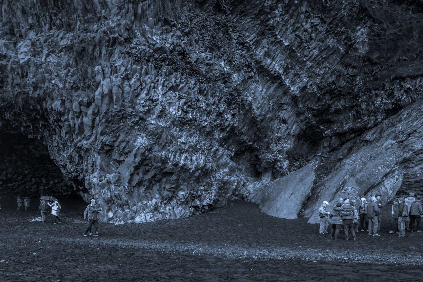 冰岛雷尼斯法加拉黑沙滩(Reynisfjara Black Sand Beach)_图1-3