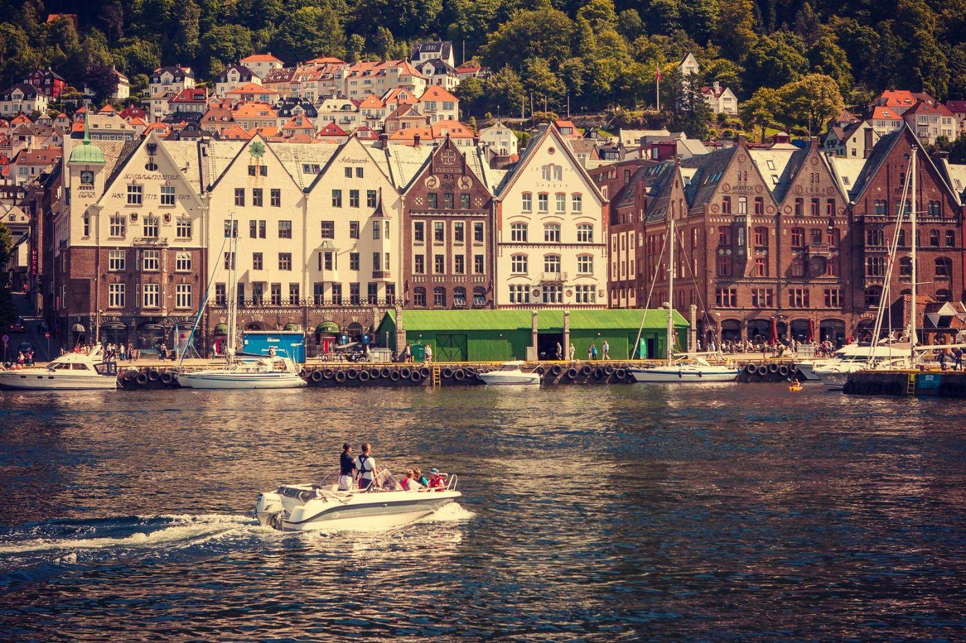 挪威卑尔根市(Bergen),有意思的小教堂_图1-12