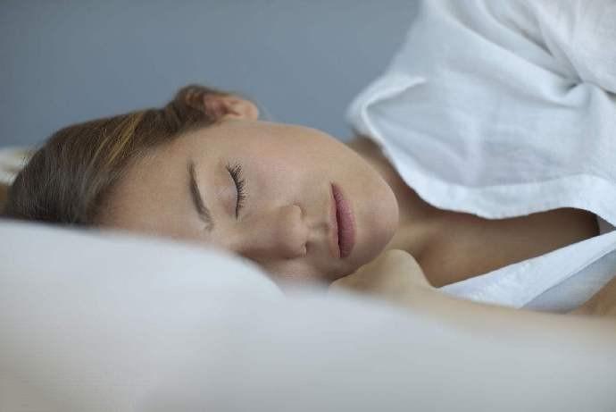 注意睡眠很重要!远离失眠,让老年人睡的更香_图1-1