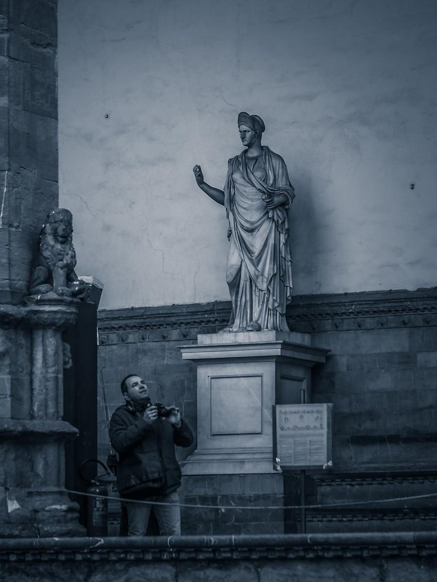 意大利佛罗伦萨,西格诺里亚广场的雕像_图1-19