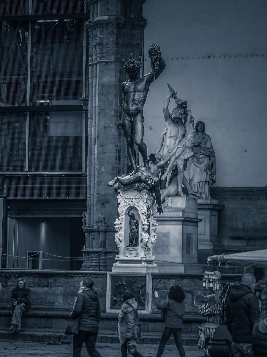 意大利佛罗伦萨,西格诺里亚广场的雕像_图1-25