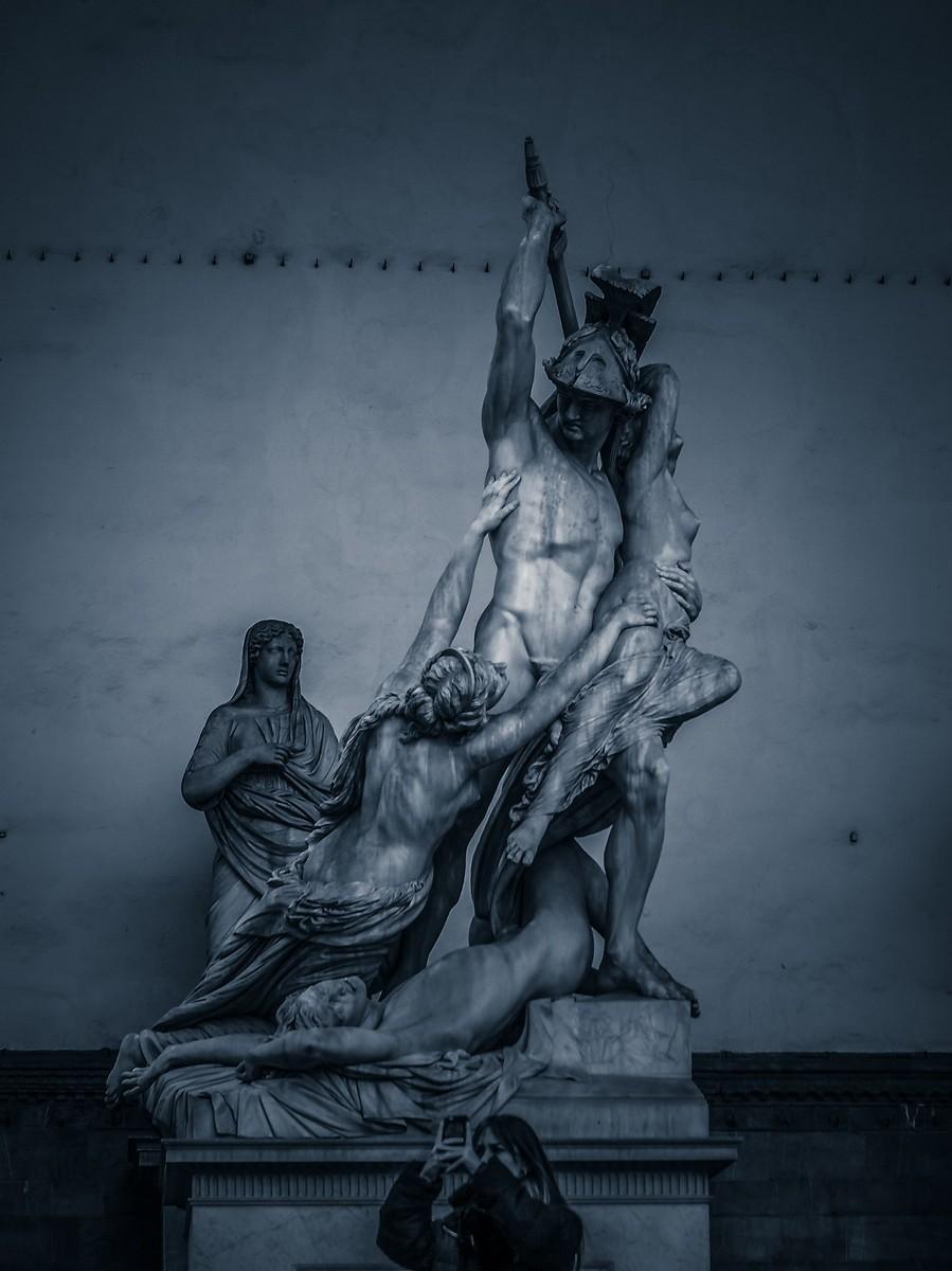 意大利佛罗伦萨,西格诺里亚广场的雕像_图1-24