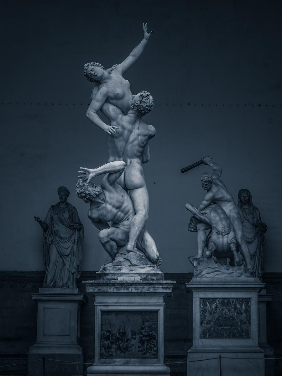 意大利佛罗伦萨,西格诺里亚广场的雕像_图1-17