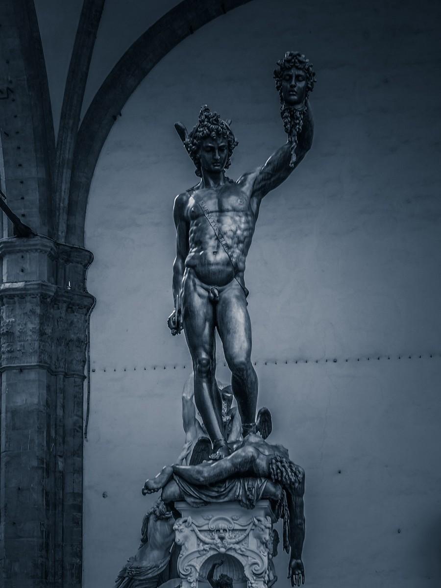 意大利佛罗伦萨,西格诺里亚广场的雕像_图1-3