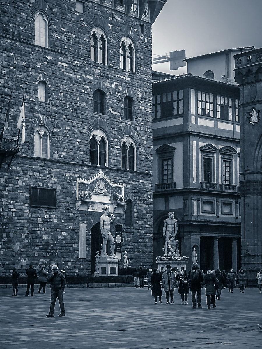 意大利佛罗伦萨,西格诺里亚广场的雕像_图1-2