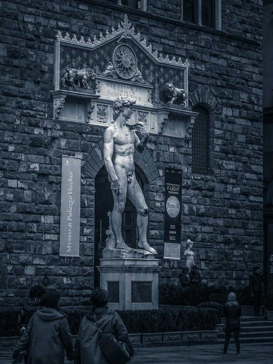意大利佛罗伦萨,西格诺里亚广场的雕像_图1-5
