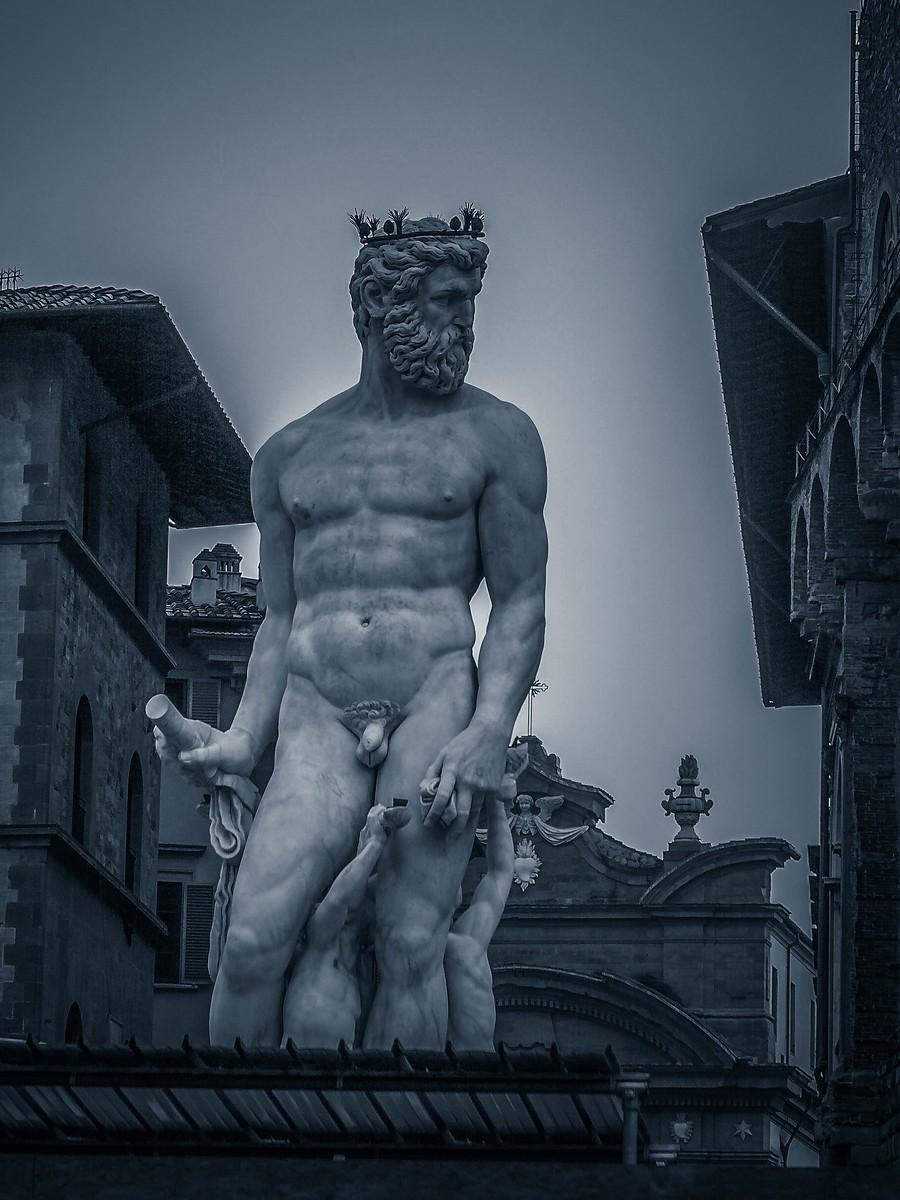 意大利佛罗伦萨,西格诺里亚广场的雕像_图1-4