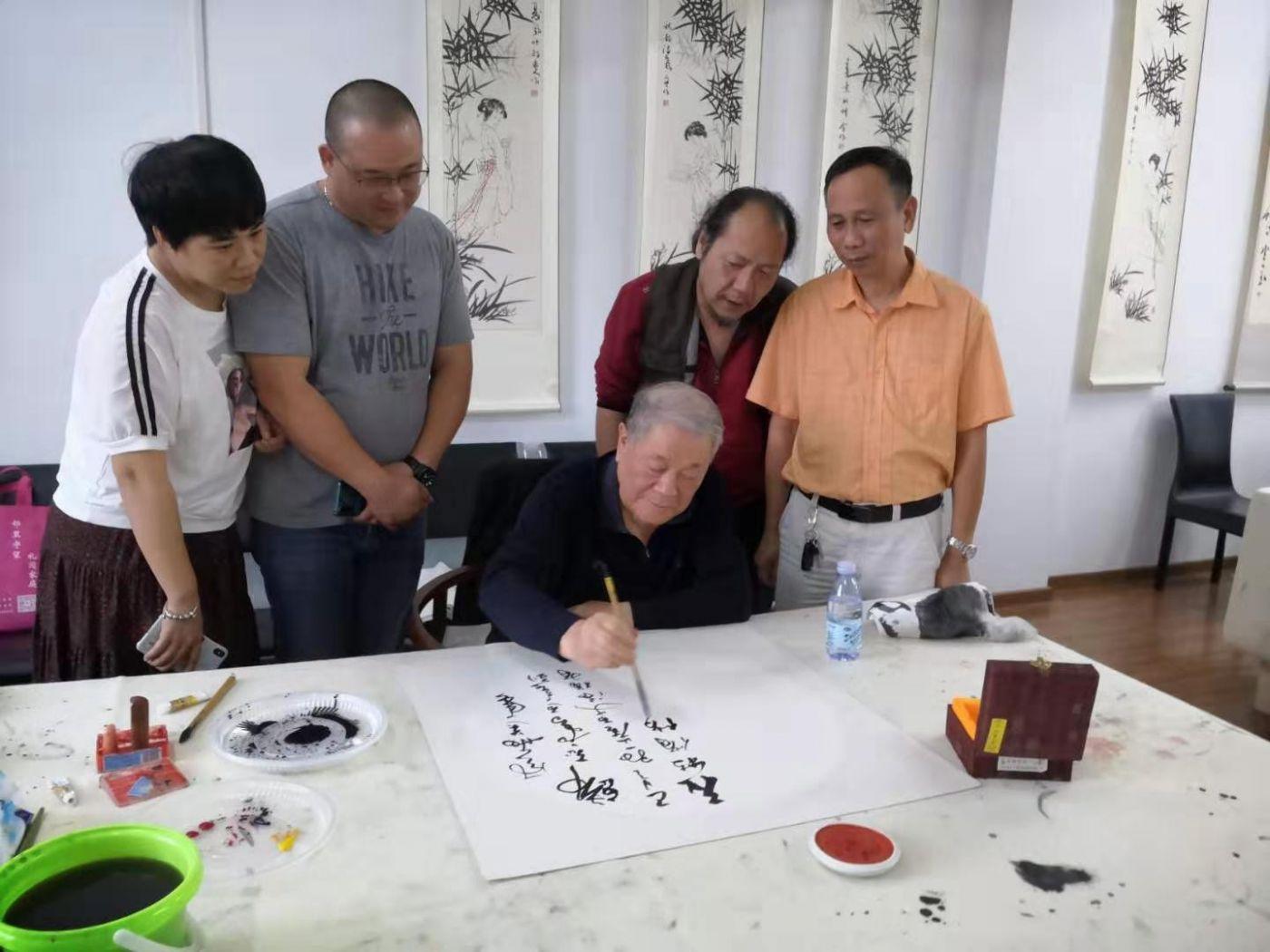 著名书画教育家华敬俊谈艺术与个人修养_图1-2