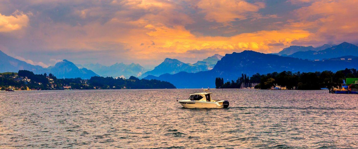 瑞士卢塞恩(Lucerne),湖边晚霞_图1-2