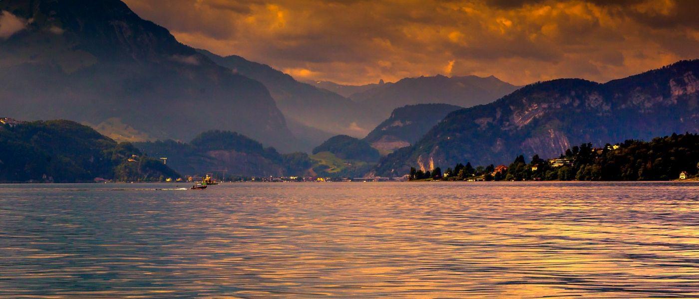 瑞士卢塞恩(Lucerne),湖边晚霞_图1-6