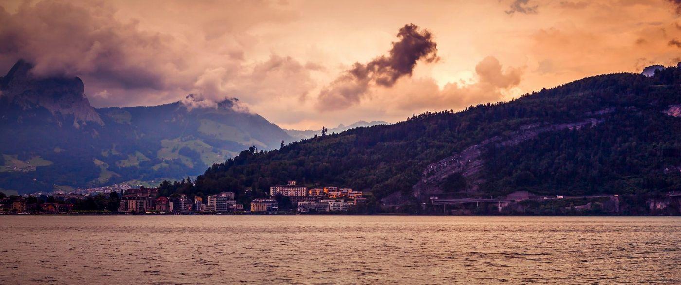 瑞士卢塞恩(Lucerne),湖边晚霞_图1-37