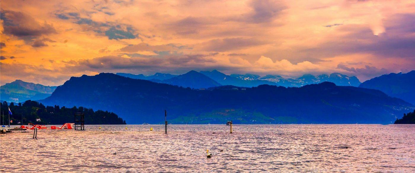 瑞士卢塞恩(Lucerne),湖边晚霞_图1-40