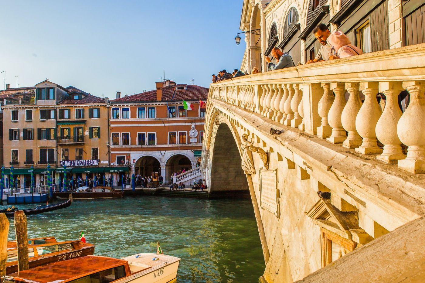 意大利威尼斯,桥的艺术_图1-2