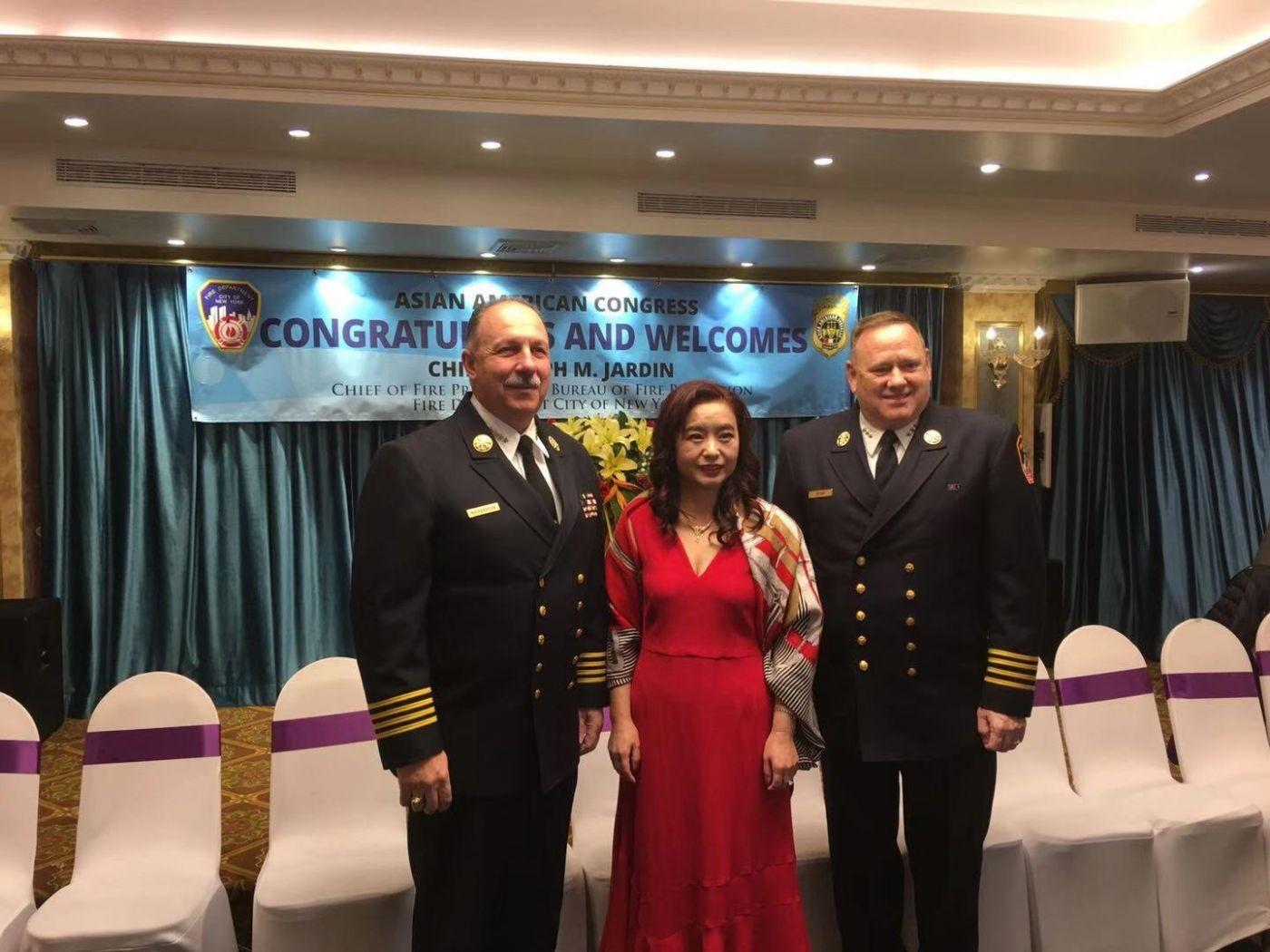 纽约亚美协会与纽约消防局共同主办庆功晚会_图1-22