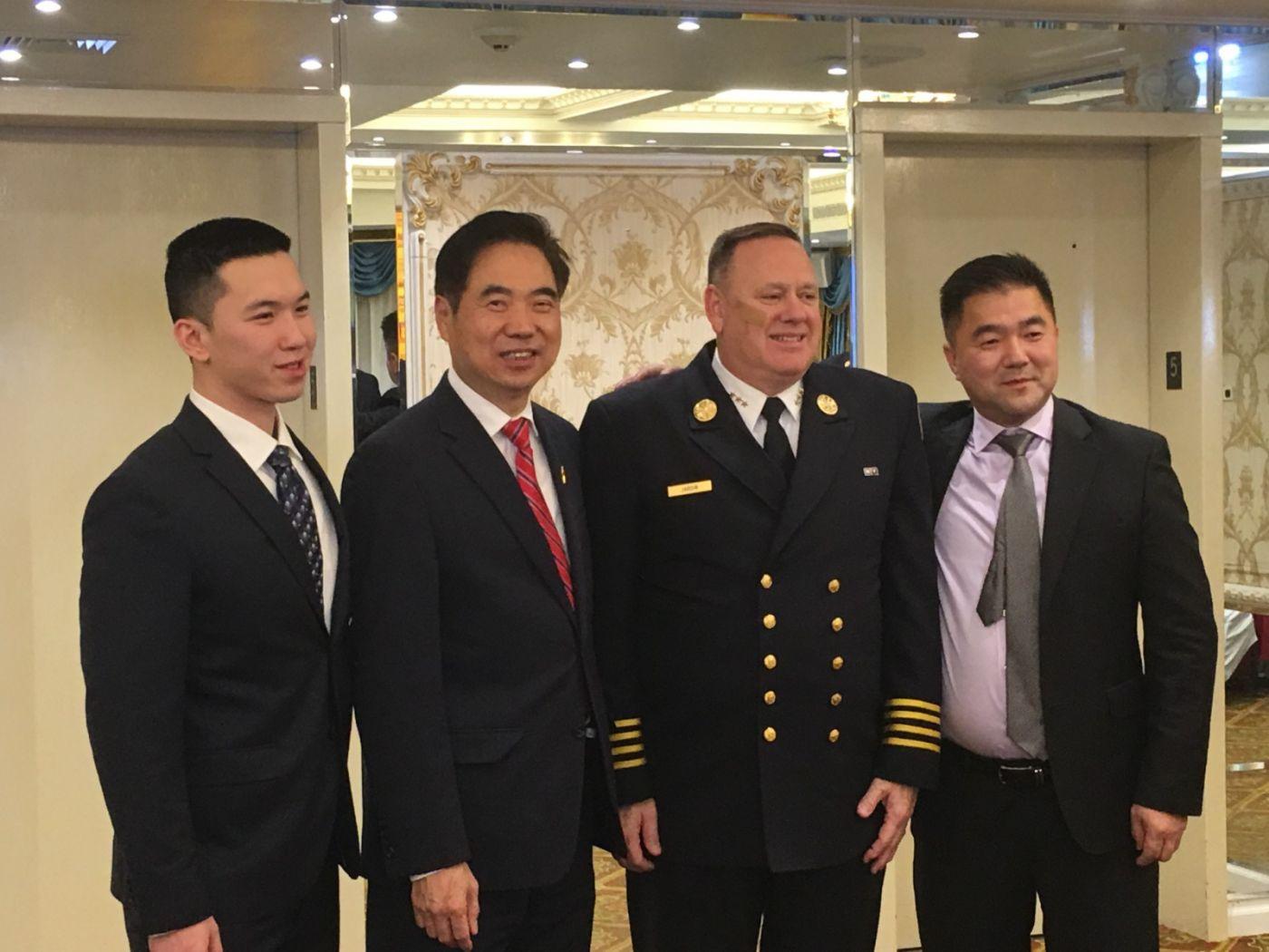 纽约亚美协会与纽约消防局共同主办庆功晚会_图1-30