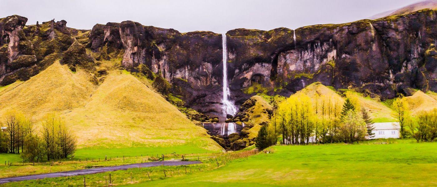 冰岛风采,山间的大小瀑布_图1-3