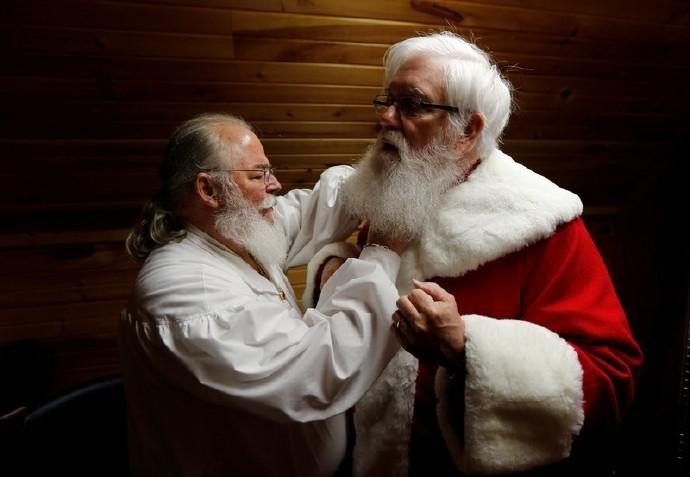 高娓娓:揭秘美国的专业圣诞老人批量制造工厂_图1-1