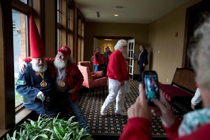 高娓娓:揭秘美国的专业圣诞老人批量制造工厂_图1-3