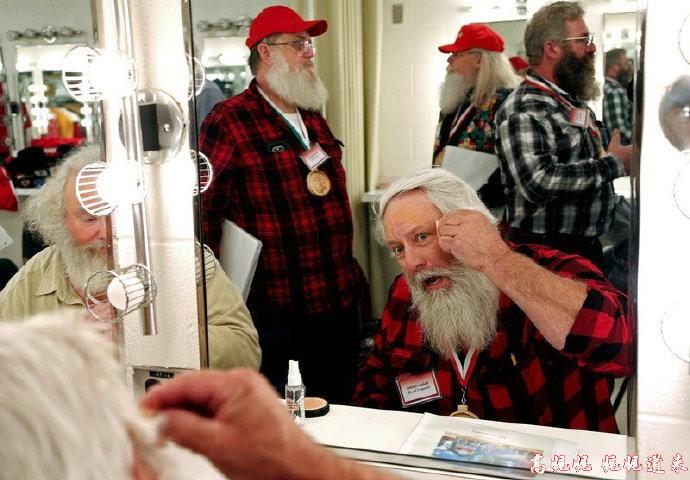 高娓娓:揭秘美国的专业圣诞老人批量制造工厂_图1-4