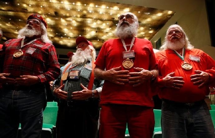 高娓娓:揭秘美国的专业圣诞老人批量制造工厂_图1-6