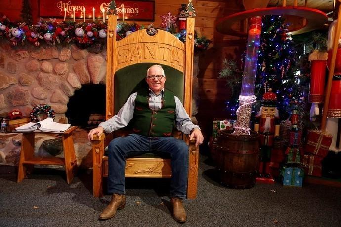 高娓娓:揭秘美国的专业圣诞老人批量制造工厂_图1-14