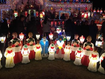 高娓娓:亮瞎眼!看美国人布置圣诞彩灯有多疯狂_图1-10