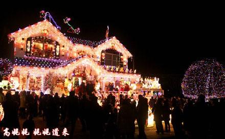 高娓娓:亮瞎眼!看美国人布置圣诞彩灯有多疯狂_图1-12