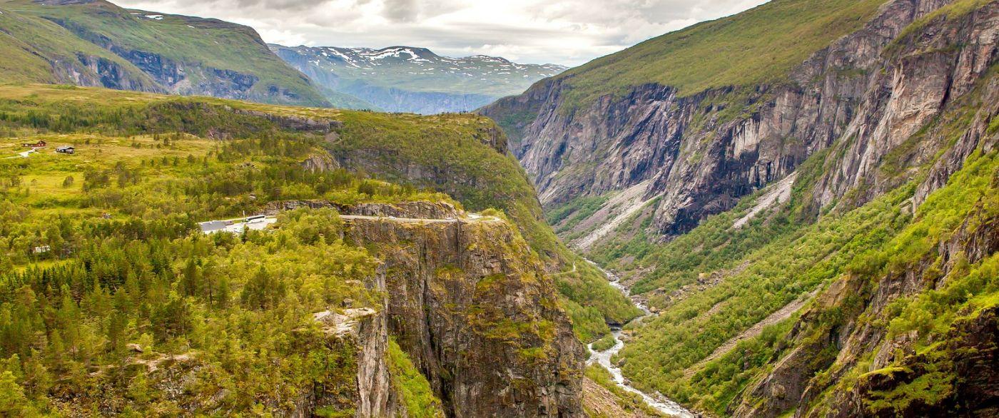 北欧风光,汇聚而下的高山瀑布_图1-37