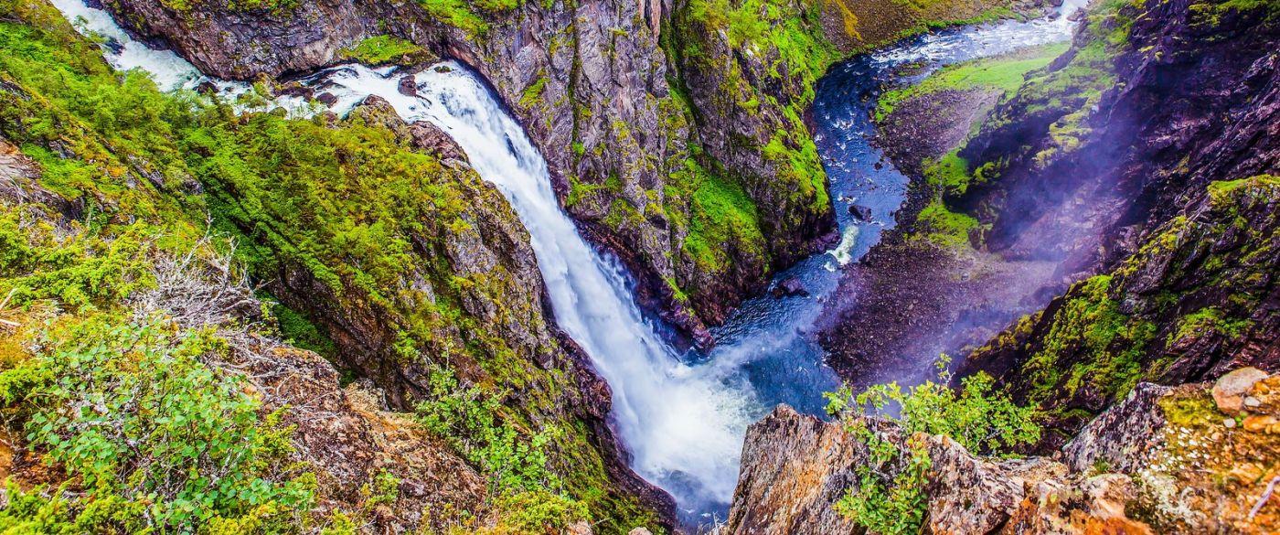 北欧风光,汇聚而下的高山瀑布_图1-36