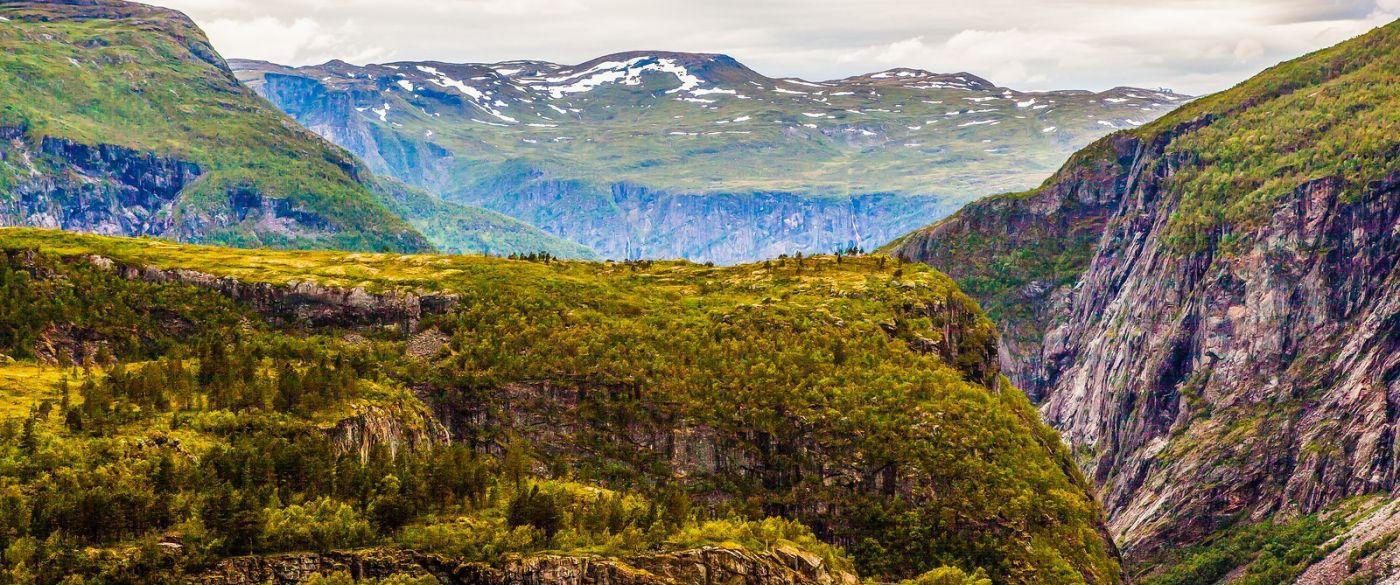 北欧风光,汇聚而下的高山瀑布_图1-38