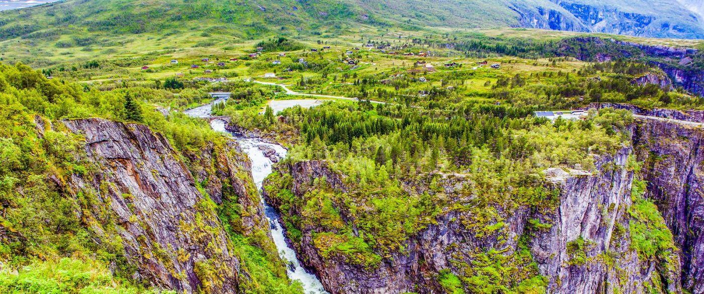 北欧风光,汇聚而下的高山瀑布_图1-34