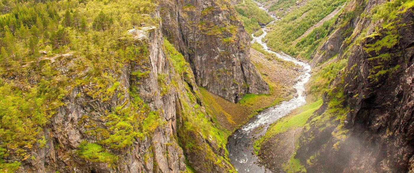 北欧风光,汇聚而下的高山瀑布_图1-33