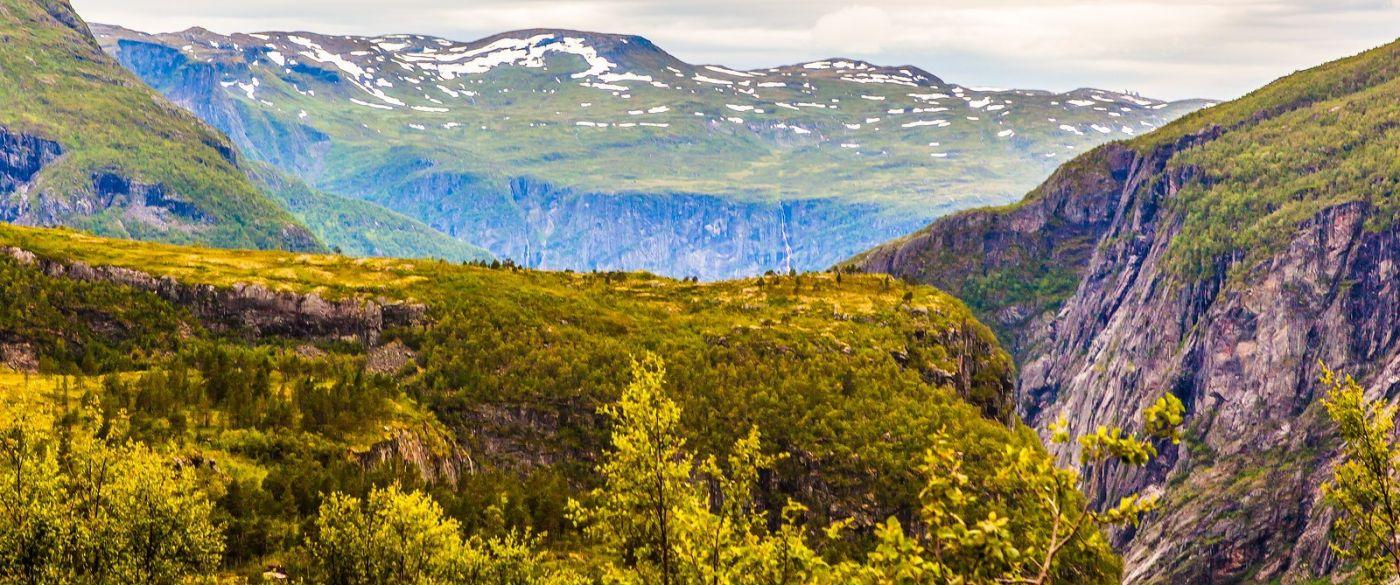 北欧风光,汇聚而下的高山瀑布_图1-29
