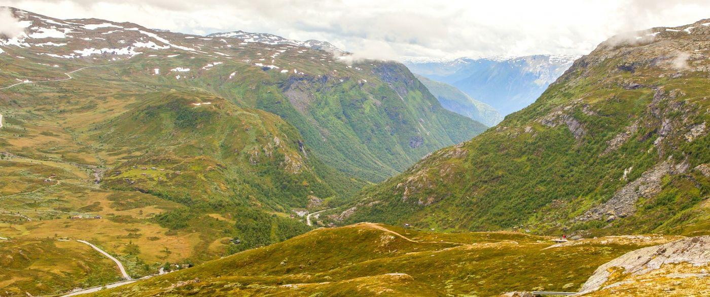 北欧风光,汇聚而下的高山瀑布_图1-30