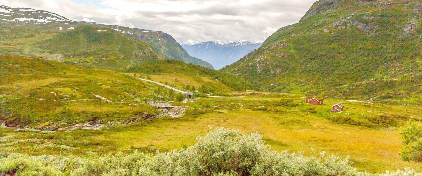 北欧风光,汇聚而下的高山瀑布_图1-31