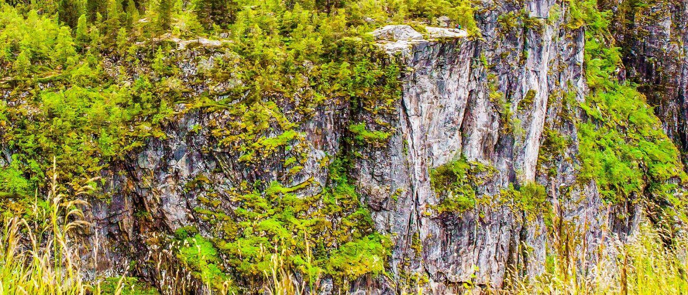 北欧风光,汇聚而下的高山瀑布_图1-26