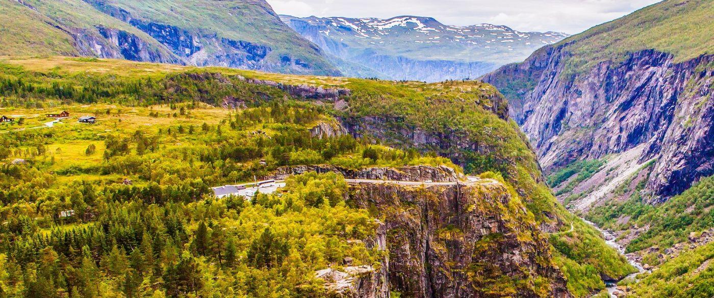 北欧风光,汇聚而下的高山瀑布_图1-15