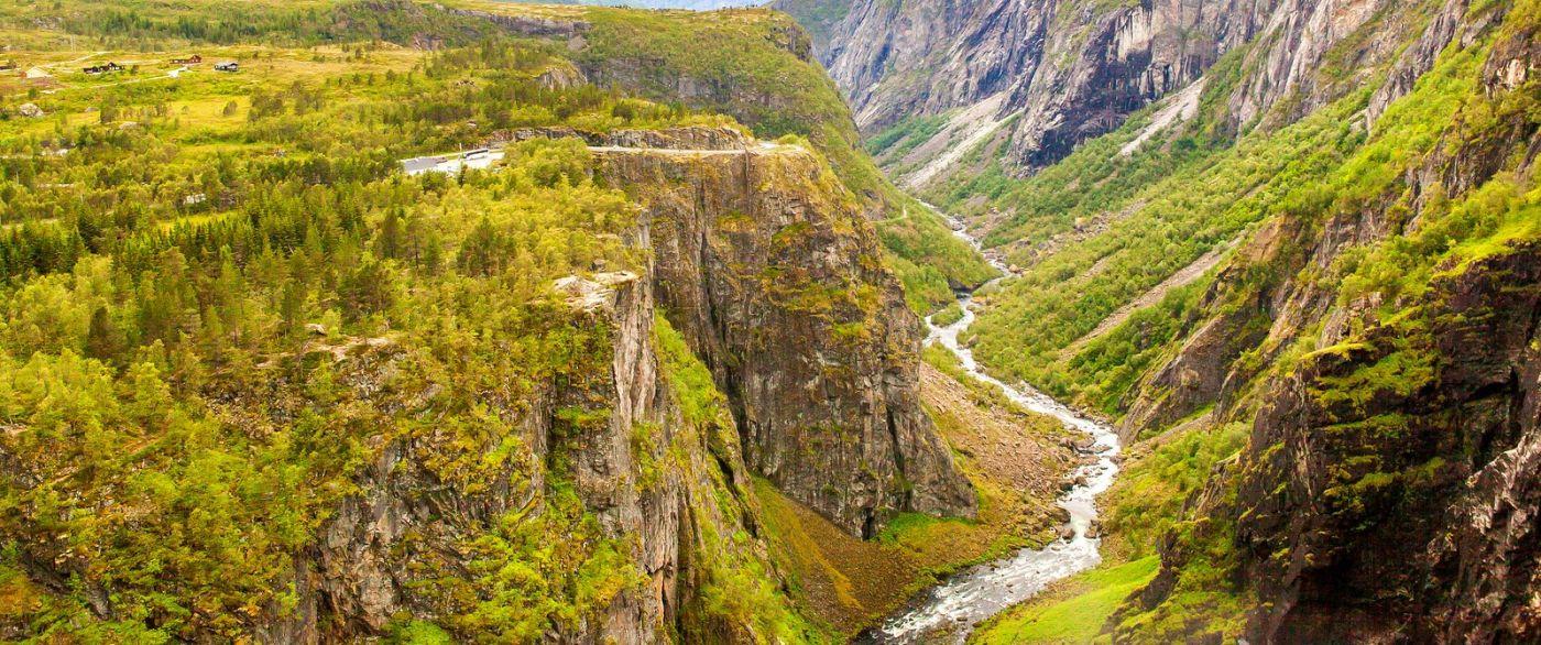 北欧风光,汇聚而下的高山瀑布_图1-19