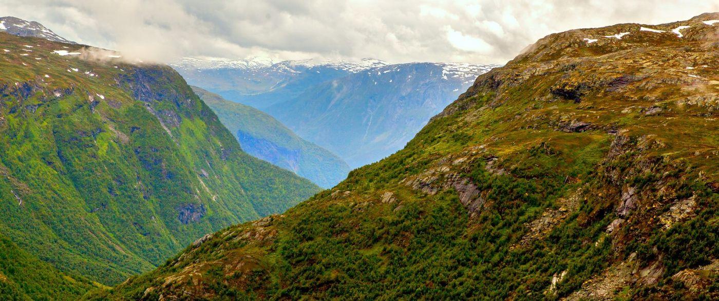 北欧风光,汇聚而下的高山瀑布_图1-20
