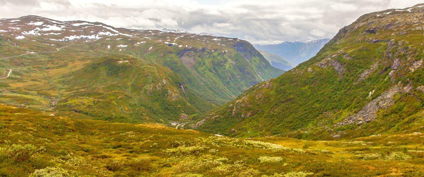 北欧风光,汇聚而下的高山瀑布_图1-24