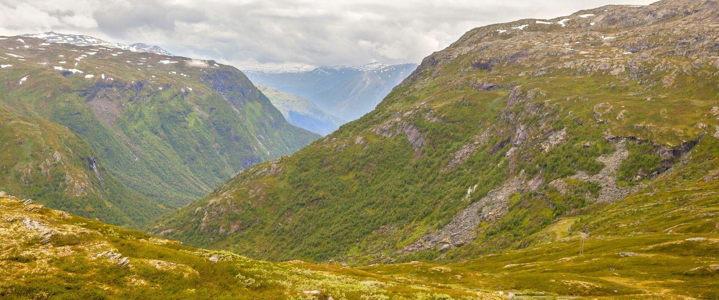 北欧风光,汇聚而下的高山瀑布_图1-23