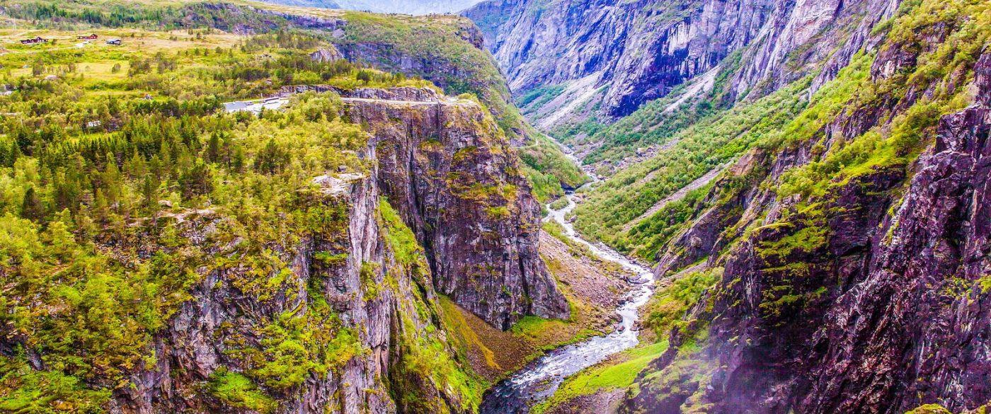 北欧风光,汇聚而下的高山瀑布_图1-21