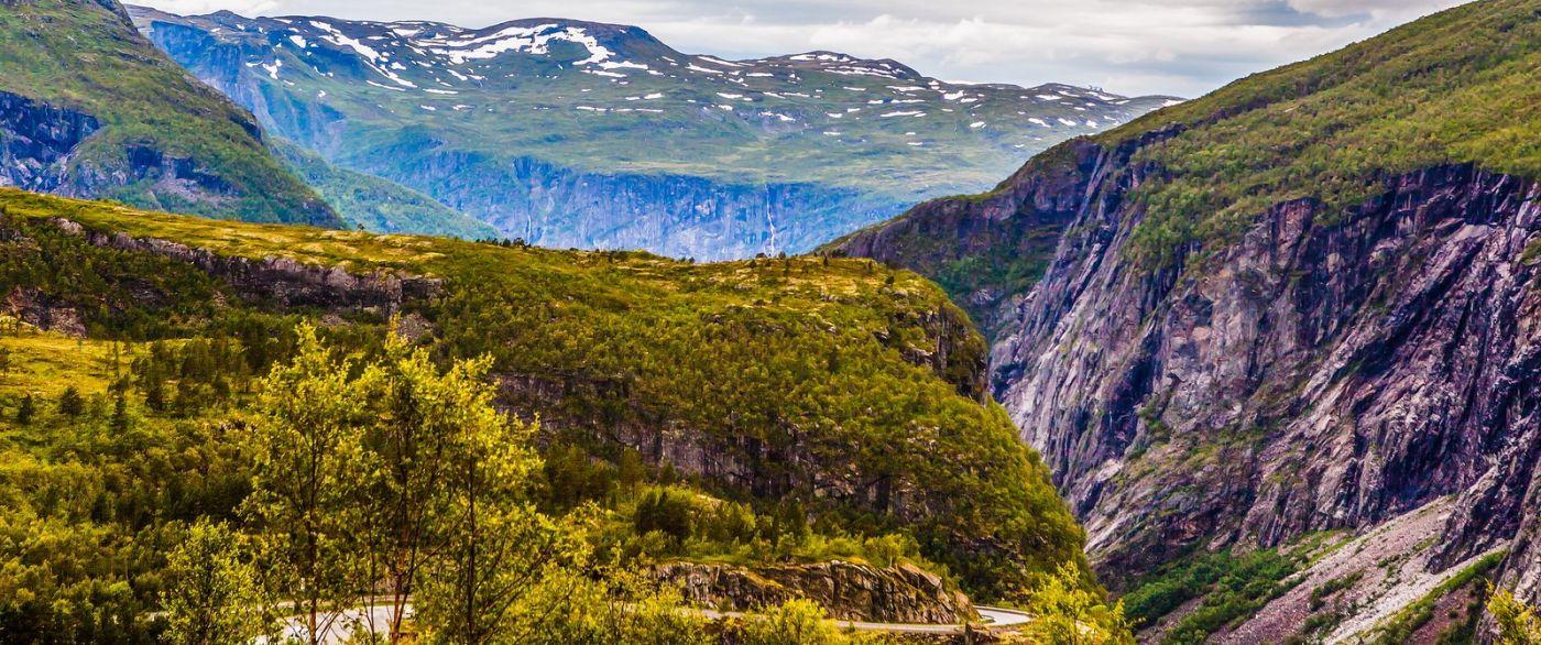 北欧风光,汇聚而下的高山瀑布_图1-22